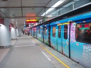 台北のカラフルな電車