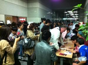 韓国のウクレレコンサートサイン会(僕は右から2番目)